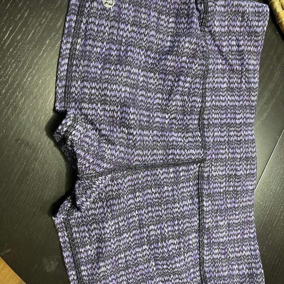New condition lululemon sz 10 boogie shorts